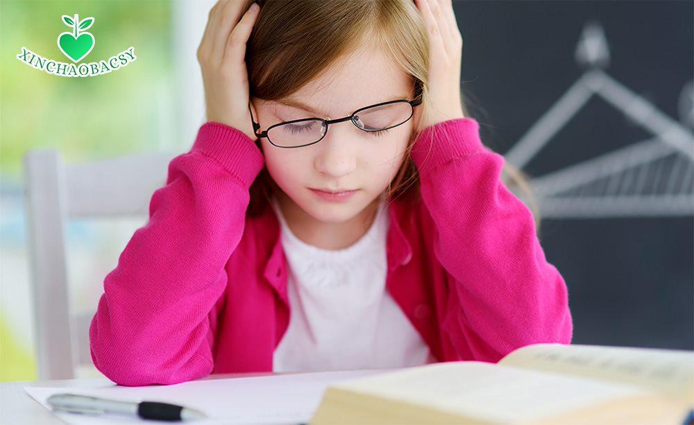 Cách giúp con vượt qua bệnh đục thủy tinh thể hiệu quả, tránh phải mổ quá sớm
